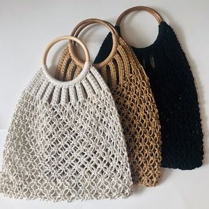 Macrame handbag wooden handle white